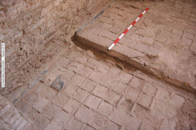 0827.- Impronta de las baldosas del suelo